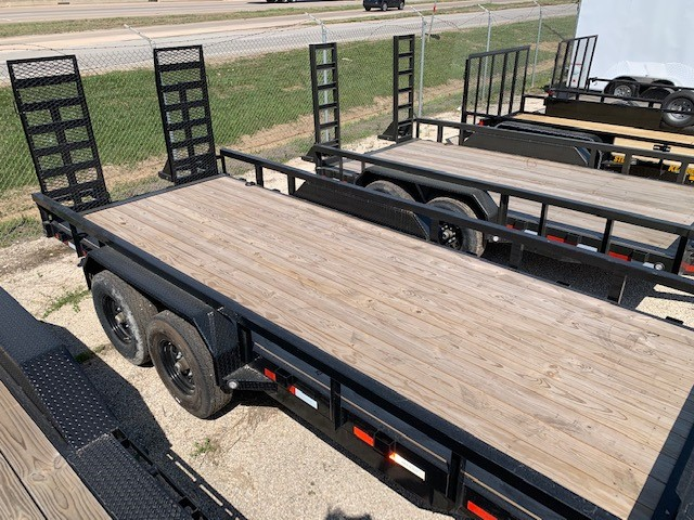 MAXXD TRAILER 83x18 2 TREADED FLOOR