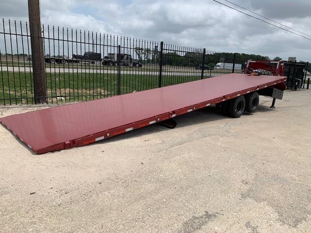 TTX Gooseneck trailer red metal deck